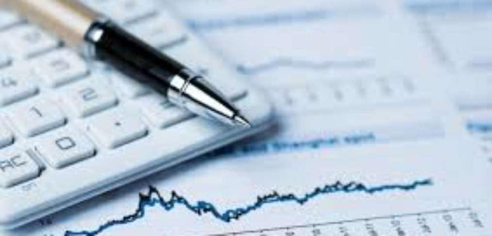 Accountant कैसे बने, काम योग्यता सैलरी